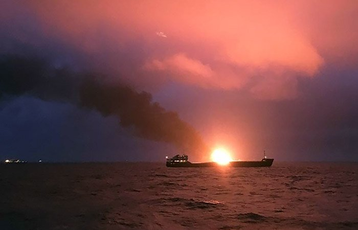 A gas tanker burns after an explosion near the Kerch Strait 21.01.2019 - image